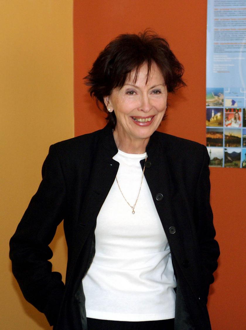 Berkes Zsuzsa 2004 májusában az Egységes Magyar Munkaügyi Adatbázis - EMMA - háziasszonyaként.