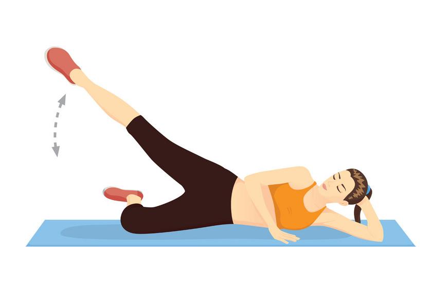Feküdj az oldaladra, és egyenesen tartva emeld fel a lábad, amilyen magasra csak tudod. Figyelj rá, hogy a csípőd ne emelkedjen fel a talajról. Ismételd meg a gyakorlatot mindkét lábaddal 30-szor.