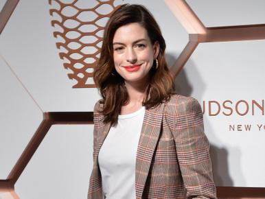 Anne Hathaway most egy picit félreteszi a piát