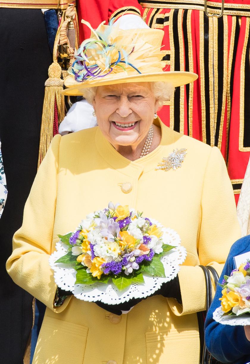 Erzsébet királynő roppant csinos volt sárgában - tökéletes választás volt húsvétra.