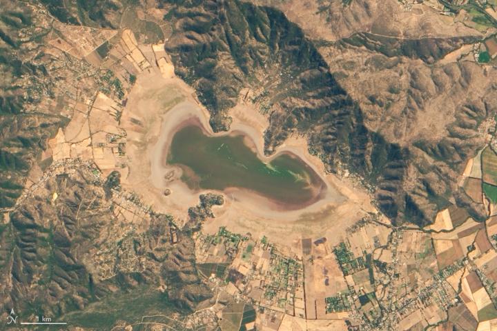 A kiszáradt Acuelo-tó a NASA műholdképén