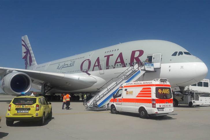 qatar-airways-airbus-a380-utmegszakitas-ams-mento
