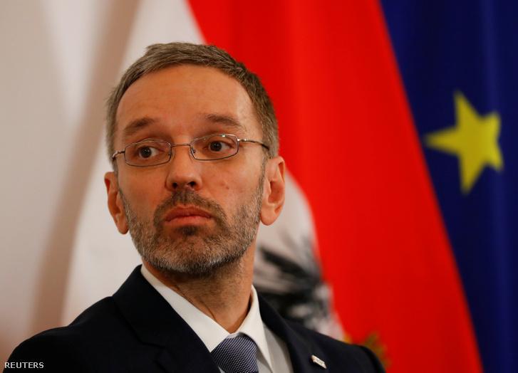 Osztrák miniszter: túl jól fizetik a menedékkérőket. Tartományok: na ne már