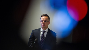 Szijjártó Péter is beszédet mond a szerb Békementen