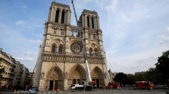 Kész csoda, hogy még áll a Notre-Dame