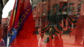 Egykori dzsihadista harcosokat és feleségeiket fogadta vissza Koszovó