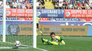 Egy teljesen széteső kapus segített 3-0-ra nyerni a Bolognának