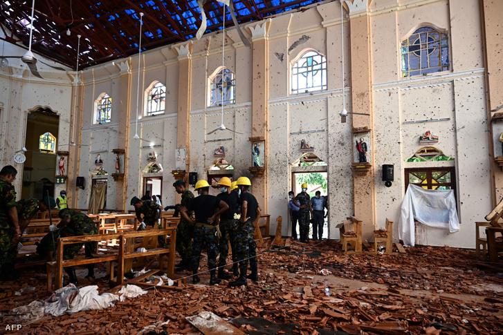 A negombói Szent Sebestyén templom 2019. április 22-én, a robbantás másnapján