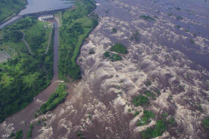 Kongó folyón lévő Inga-vízesés