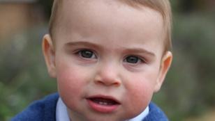 Ma egy éves a brit királyi család legfiatalabb tagja, Lajos herceg