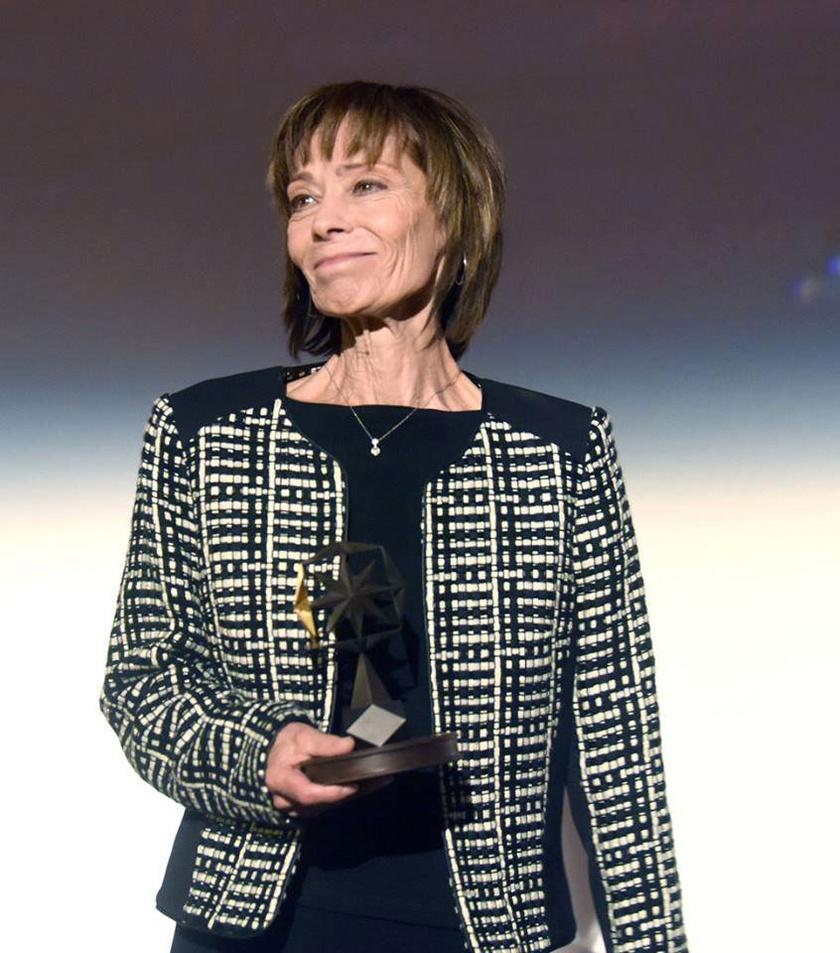A 73 éves Venczel Vera, az 1968 decemberében bemutatott Egri csillagok egykori Vicuskája is életműdíjat kapott az 5. Magyar Filmhét nyitóeseményén.