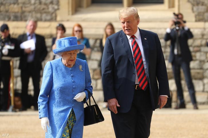 Donald Trump és II. Erzsébet királynő a windsori kastélyban 2018. július 13-án