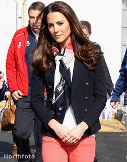 Katalin hercegné elegánsan érkezik a hokisokhoz március 15-én