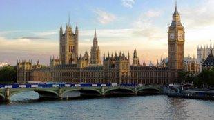 Parlamentek a világ körül