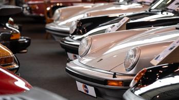 Porsche-gyűjteménye van Matolcsy fiának