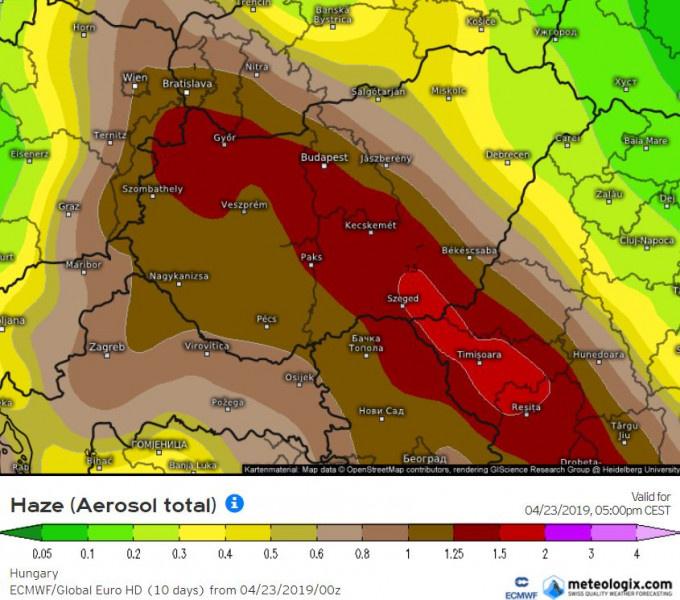 A légkörben a por optikai mélysége ECMWF modell előrejelzésén kedd 17 órára (meteologix.com)