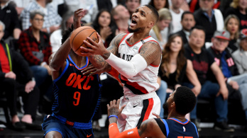 NBA rájátszás: Fejedelmi győztes triplával koronázta 50 pontját a portlandi
