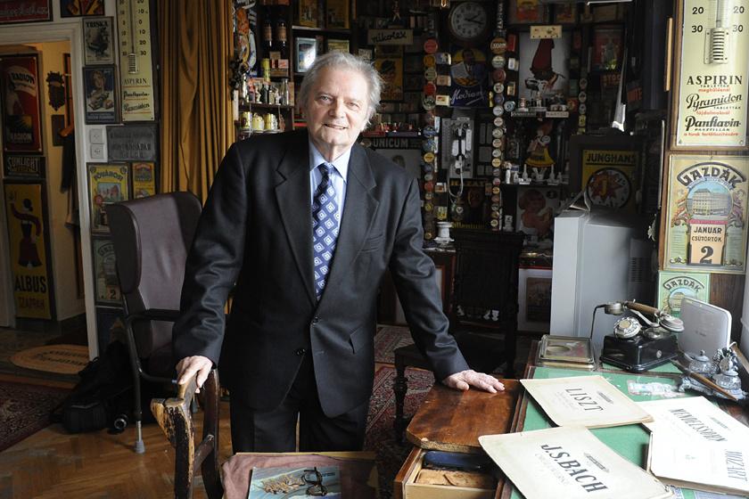 Komjáthy György évtizedeken keresztül volt a rádiózás meghatározó alakja.