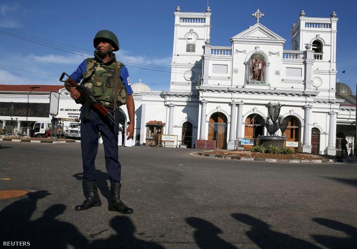 A colombói Szent Antal szetélyt őrzik 2019. április 22-én