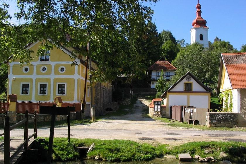 216-an lakják a pici falut, de rengetegen látogatják: Jósvafő tele van csodás kincsekkel