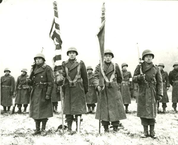 Bruyeres mellett fogadja a 442-es ezredharccsoport az aktuális kitüntetések bejelentését