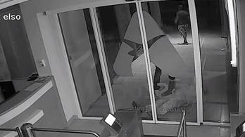 Egy mobilért és 30 ezer forintért ütötték le úgy, hogy belehalt