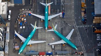 Zuhanórepülésben a Boeing profitja