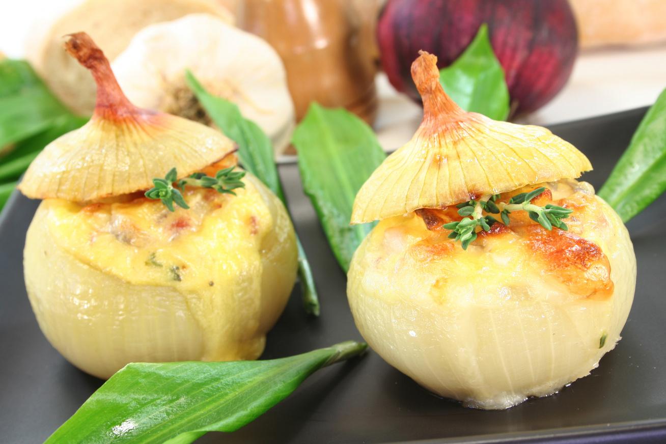 baconos-sajtos-toltott-hagyma