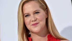 Amy Schumer nehezen bírja a terhességet