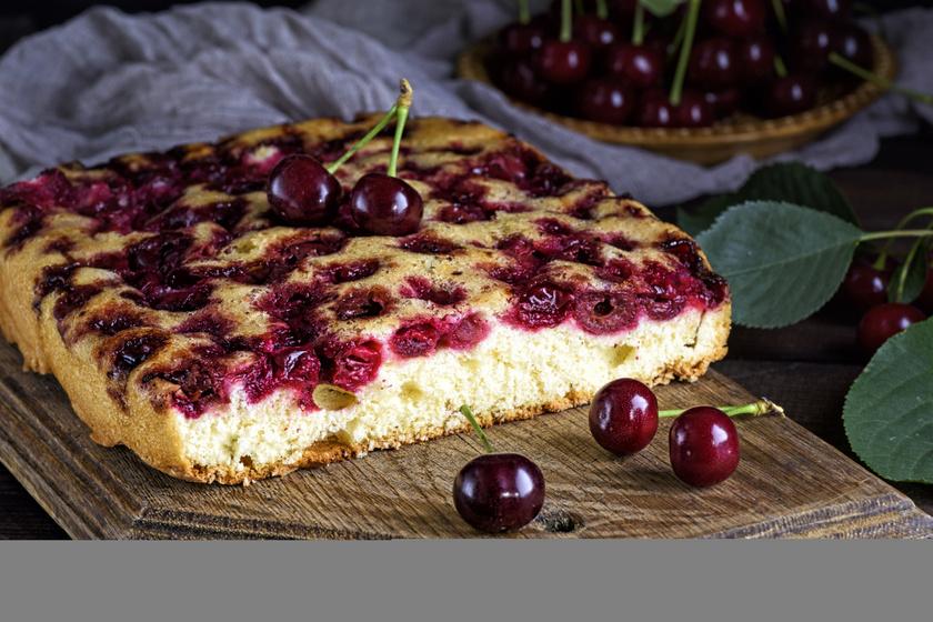 Bögrés, kefires, gyümölcsös süti, amit 10 perc alatt összekeversz