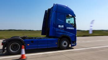Magyarországon készül a sofőr nélküli kamion