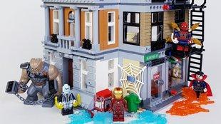 Thanos lecsap LEGO New Yorkra!