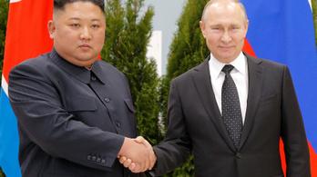 Hiába nem főszereplő, elsőzhetett Putyin Kim Dzsongunnal