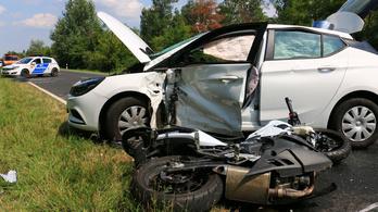 Nem vette észre a 75 éves sofőr a motorost, halálos balesetet okozott