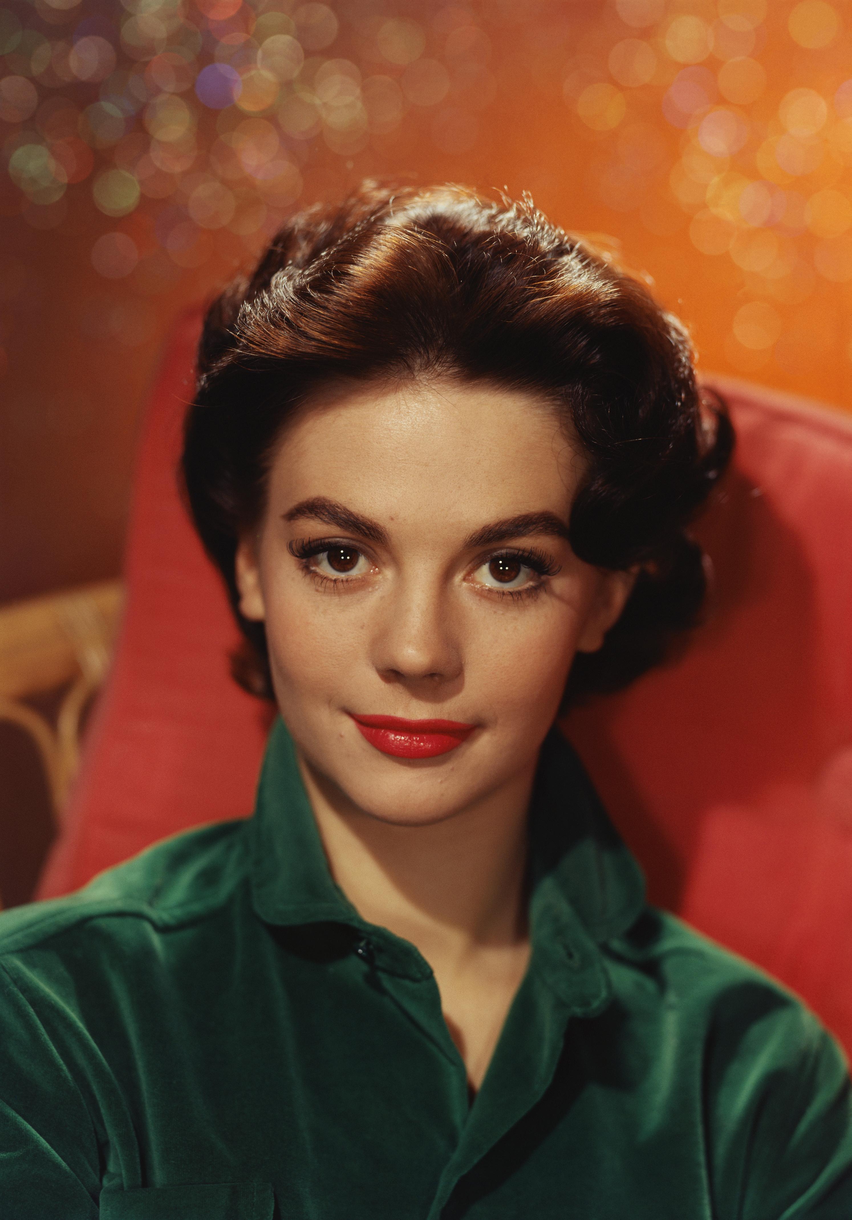 A hetedik helyet az amerikai színésznő, Natalie Wood kapta. 1938-ban született, egyik leghíresebb filmje a Csoda a 34. utcában volt 1981-ben. Akkoriban sem csak tehetségét, hanem szépségét is csodálták. 43 évesen hunyt el.