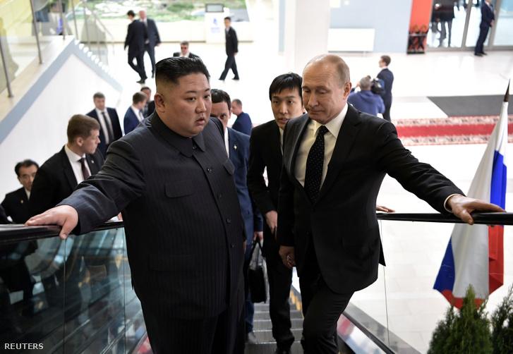 Kim Dzsongun és Vlagyimir Putyin Vlagyivosztokban 2019. április 25-én