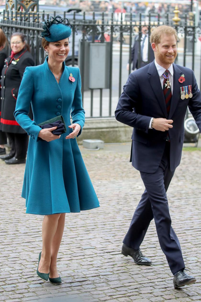 Katalin hercegné Harry herceg oldalán jelent meg a Westminster-apátságnál.