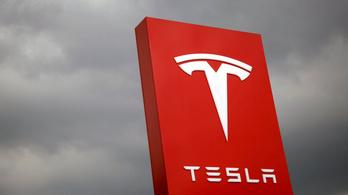 Újra durván veszteséges a Tesla