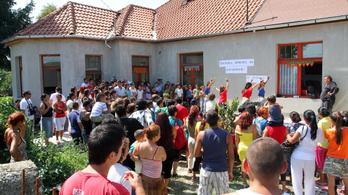 Az Emmi csak akkor államosítja a nemzetközi hírű roma gimnáziumot, ha az iskola kéri