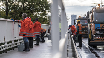 Hétvégén lemossák az Árpád hidat