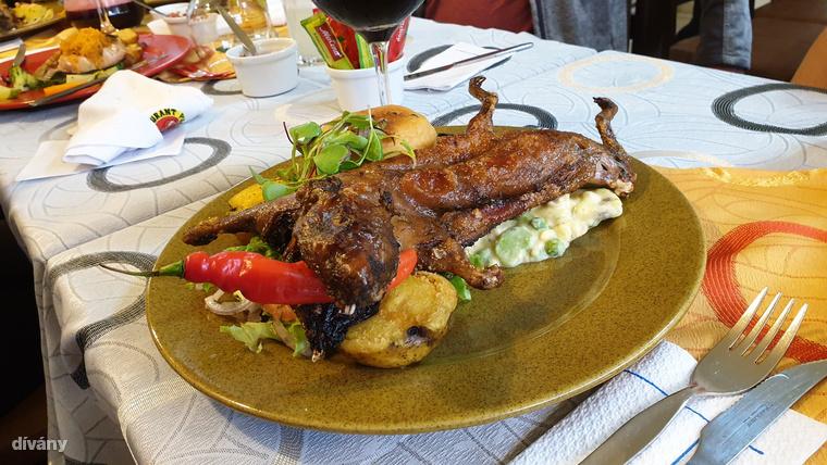 Az Andokban élő népeknél egykor alkalmi eledel volt, ma viszont már mindennapos fogás a cuy la horno, azaz a sült tengerimalac