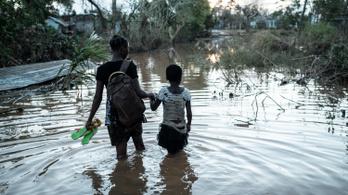 Áradás fenyegeti a ciklon sújtotta Mozambikot