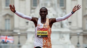 Hatalmas idővel nyert Londonban a maraton királya