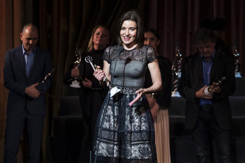 A legjobb tévéfilmes női főszereplő díjával kitüntetett Szávai Viktória (A színésznő).