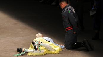 A kifutón halt meg egy modell São Paulóban