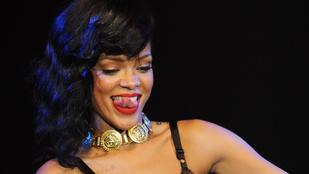 Ezen a Vouge címlapfotózáson sem fogta vissza magát Rihanna