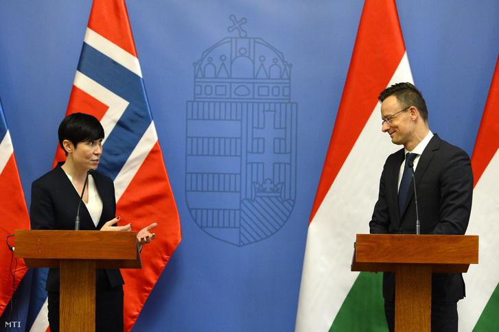 Szijjártó Péter külgazdasági és külügyminiszter és Ine Marie Eriksen Soreide norvég külügyminiszter megbeszélésüket követően sajtótájékoztatót tart a Külgazdasági és Külügyminisztériumban 2019. február 22-én