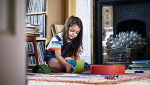 Ebből a 7 dologból ismerheted fel az introvertált gyereket