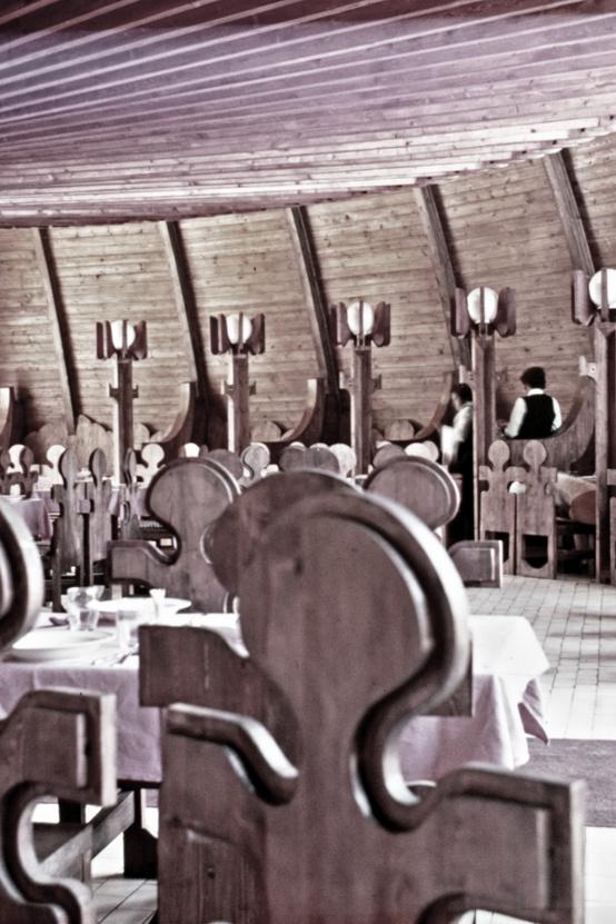 Tíz évvel később már nem lett volna meglepő egy ilyen belső, a hetvenes években még az volt a Duna-étterem