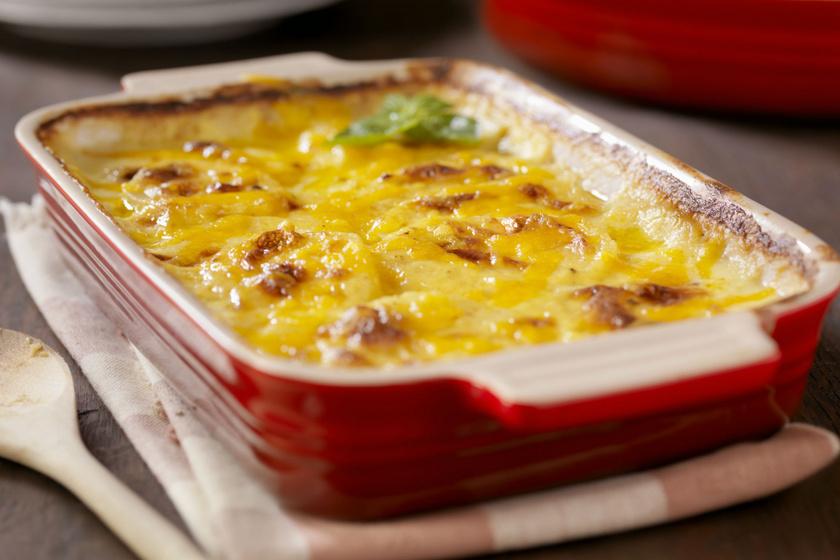 Laktató, tejszínes, sajtos, rakott csirkemell: vele sül a krumpli is